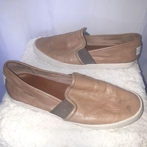 Frye Loafers Slip On Tan size 8